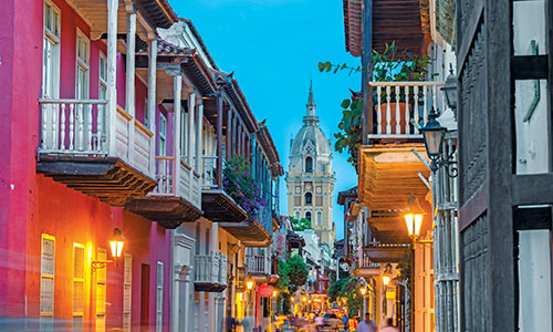 Explore the colourful streets of Cartagena, Colombia